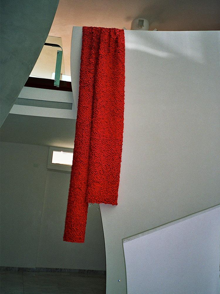 vivoverde-installazione-rose-a-teatro-1